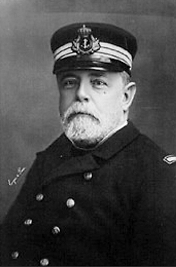 almirante-Pascual-Cervera-Topete_1236786988_83517026_1024x1544-2.jpg